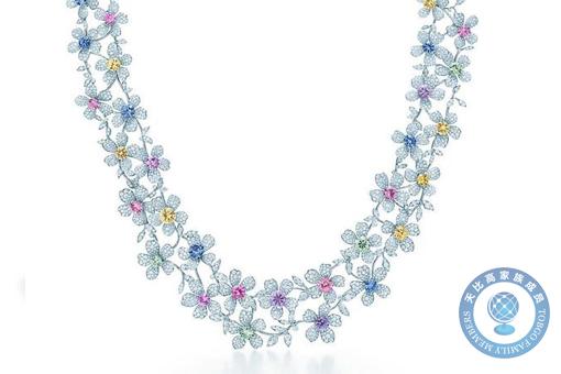 小清新必备——9款淡雅的花朵造型项链